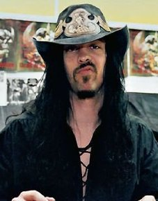 Former Samhain and Danzig bassist Eerie Von provided the liner notes for the box set.