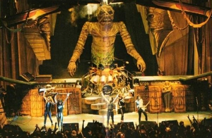 The stage for the Powerslave tour is what set the standard for subsequent Maiden tours.